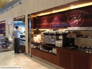 Iberia madrid lounge - counters cafe