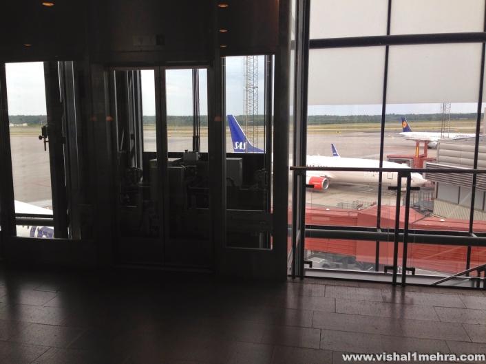 SAS Stockholm Lounge - Airside view