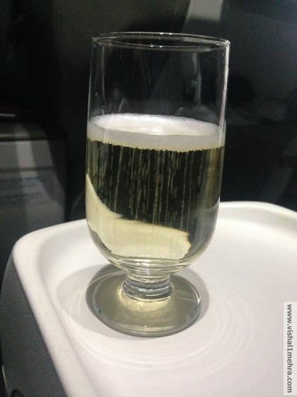 SriLankan A320 Business Class - Champagne Jacquart