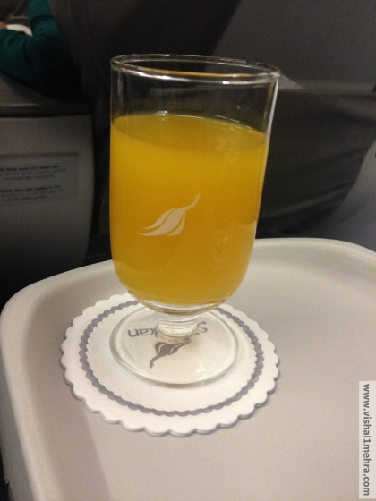 SriLankan A320 Business Class - Welcome Drink